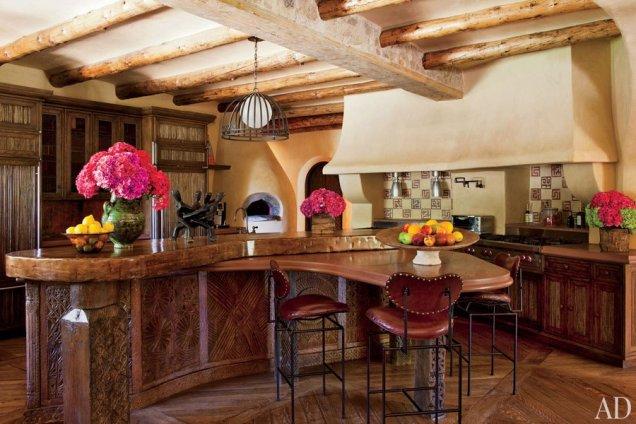 Домът на Уил Смит - кухня с бар