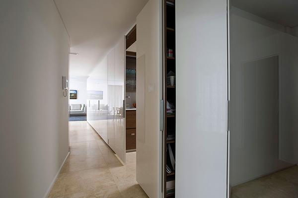Малък апартамент в Сидни - плъзгащи врати