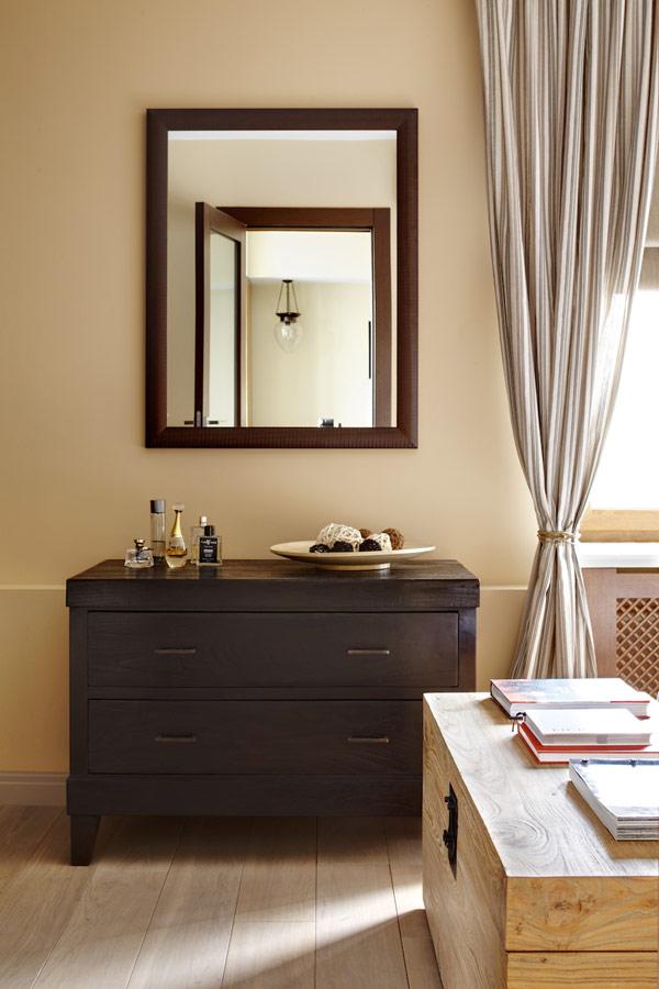Уютен дом -тоалека с огледало