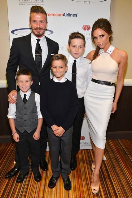 Виктория и Дейвид Бекъм със синовете им