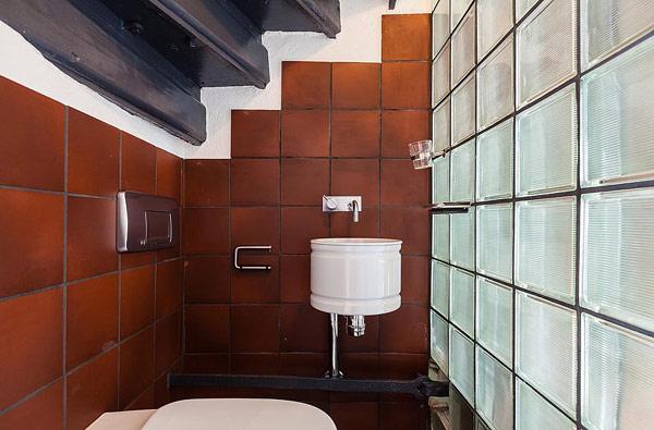 Двуетажен апартамент в Стокхолм - баня