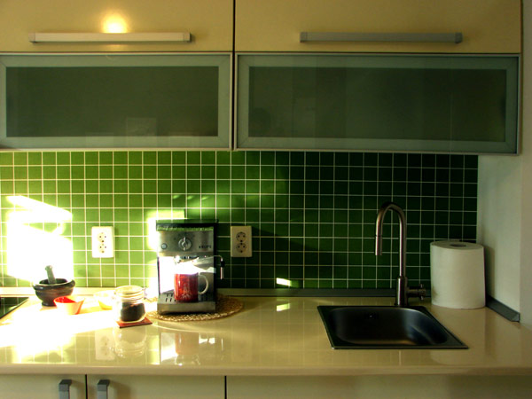 Свеж апартамент в Букурещ - кухненски плот