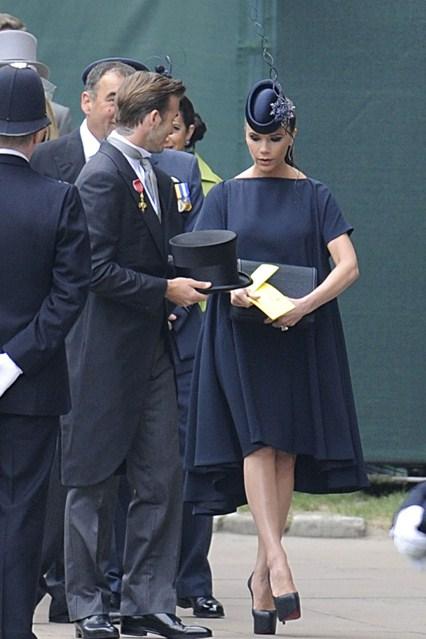 Безупречен стил от Виктория Бекъм на кралската сватба в Лондон 2011 г.