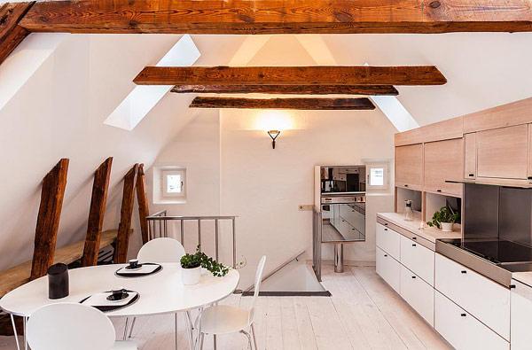 Двуетажен апартамент в Стокхолм - трапезария и кухня
