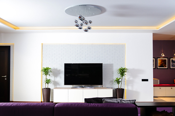 Модерен апартамент в Одеса детали от дневната