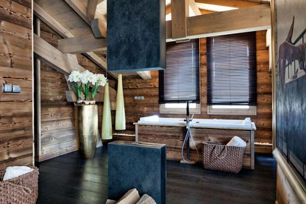 Дъбова хижа с изглед към Мон Блан баня