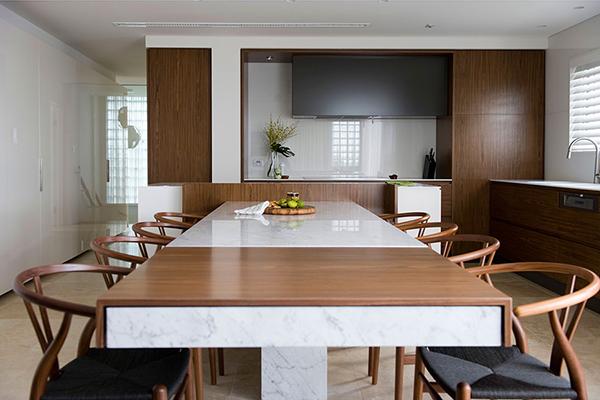 Малък апартамент в Сидни - удължена трапезна маса