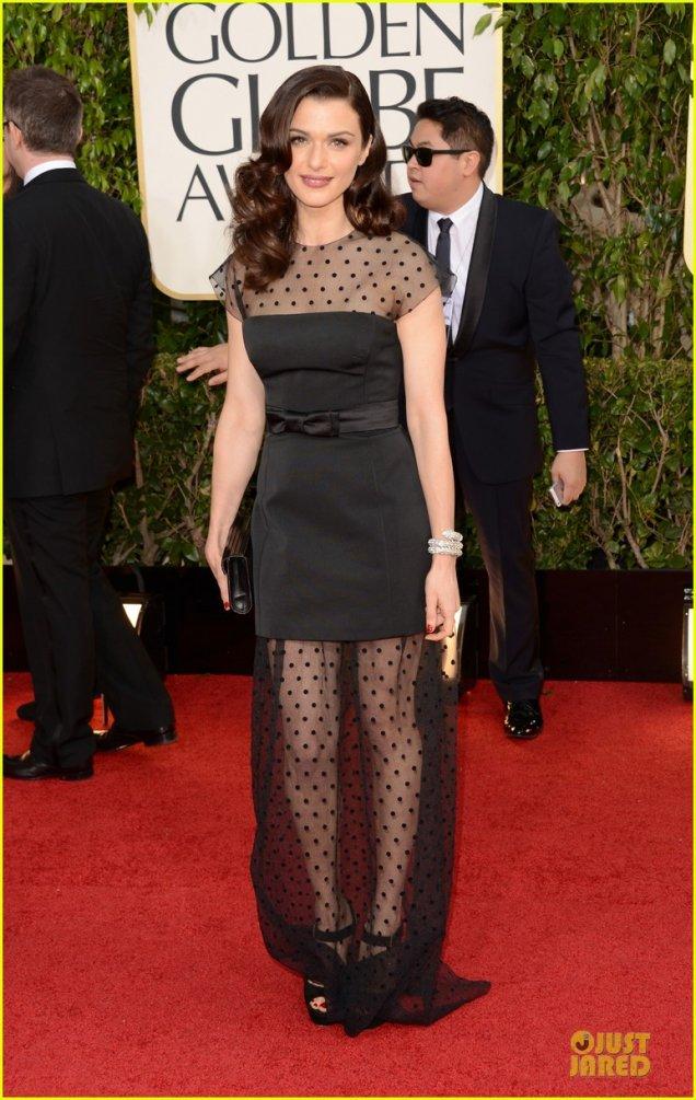 Рейчъл Уайз в черна дантелена рокля Louis Vuitton