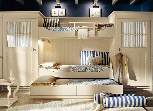 Класическа детска стая - 2 легла с опция за трето