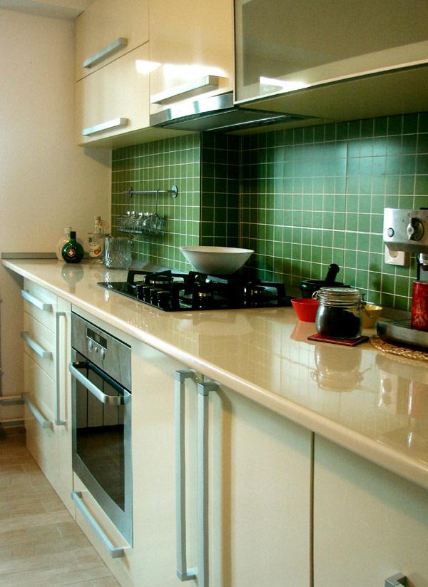 Свеж апартамент в Букурещ - кухненски кът