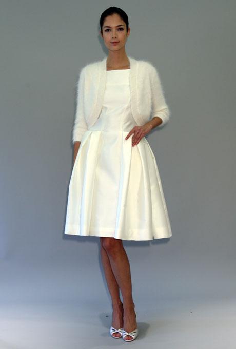 Carolina Herrera къса изчистена булчинска рокля с болеро