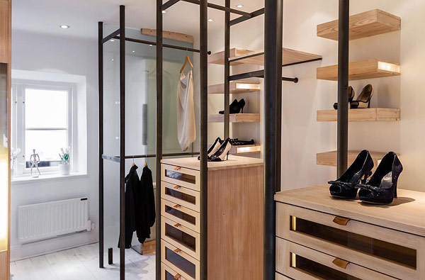 Двуетажен апартамент в Стокхолм - дрешник 1