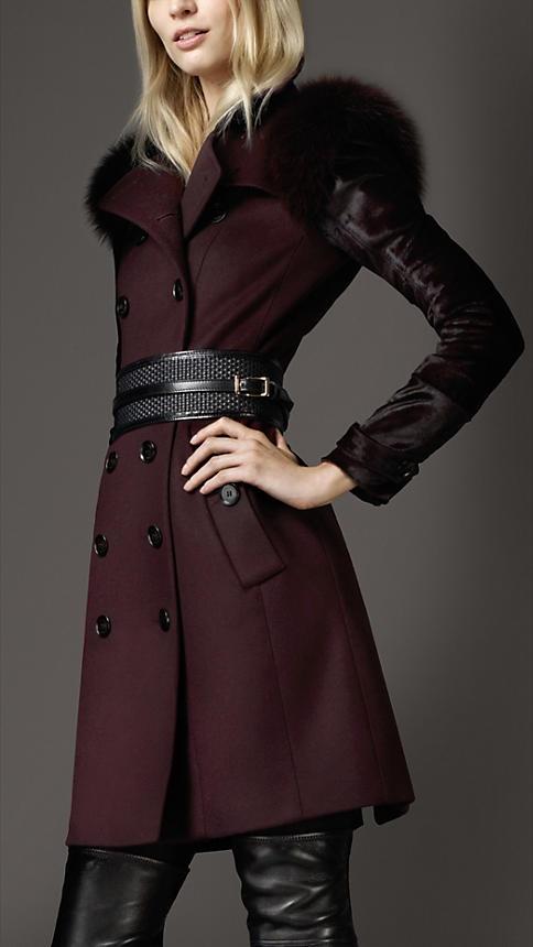Палто вталено в бордо с кожени декорации Burberry зима 2012