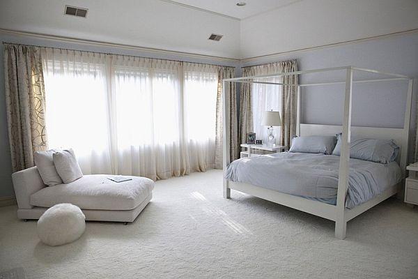 спалня в голямо легло с рамка
