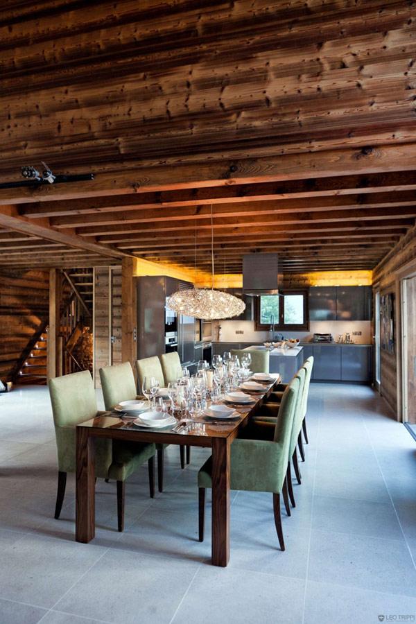 Дъбова хижа с изглед към Мон Блан трапезна маса