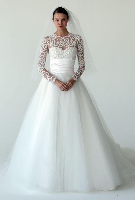 Булчинска рокля бална с деколте и ръкави в  камъни Marchesa