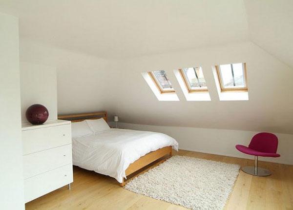 Мансарда с малка спалня