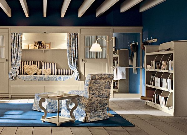 Класическа детска стая - светло дърво и синьо