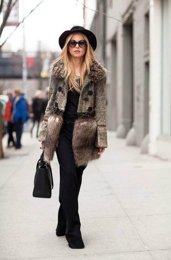 Екстравагантно кожено палто зима 2012