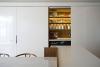 Малък апартамент в Сидни - изглед към кухнята