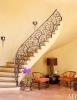 Домът на Уил Смит - интериорно стълбище