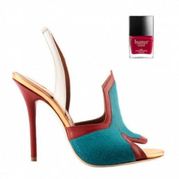 Уникални високи сандали в червено и синьо 2015