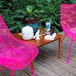 Метални градински мебели в розово