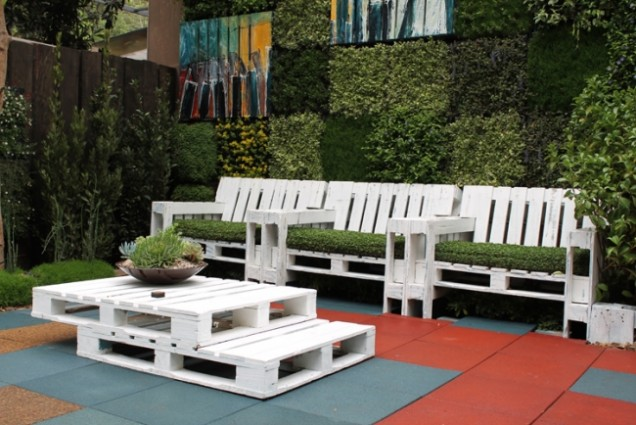 Направи си сам градински мебели от дървени палети