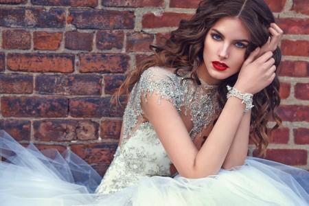 Уникална сватбена рокля с камъни за 2016
