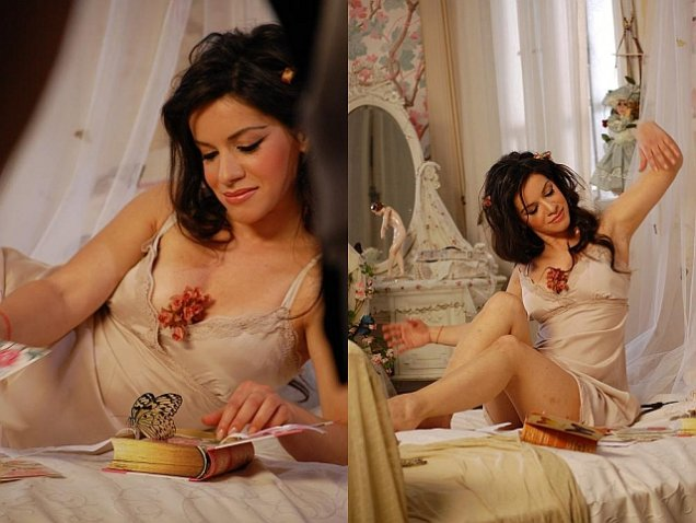 Елица Тодорова в спалнята