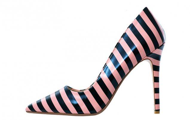 Stripe court shoes Ефектни обувки с ток