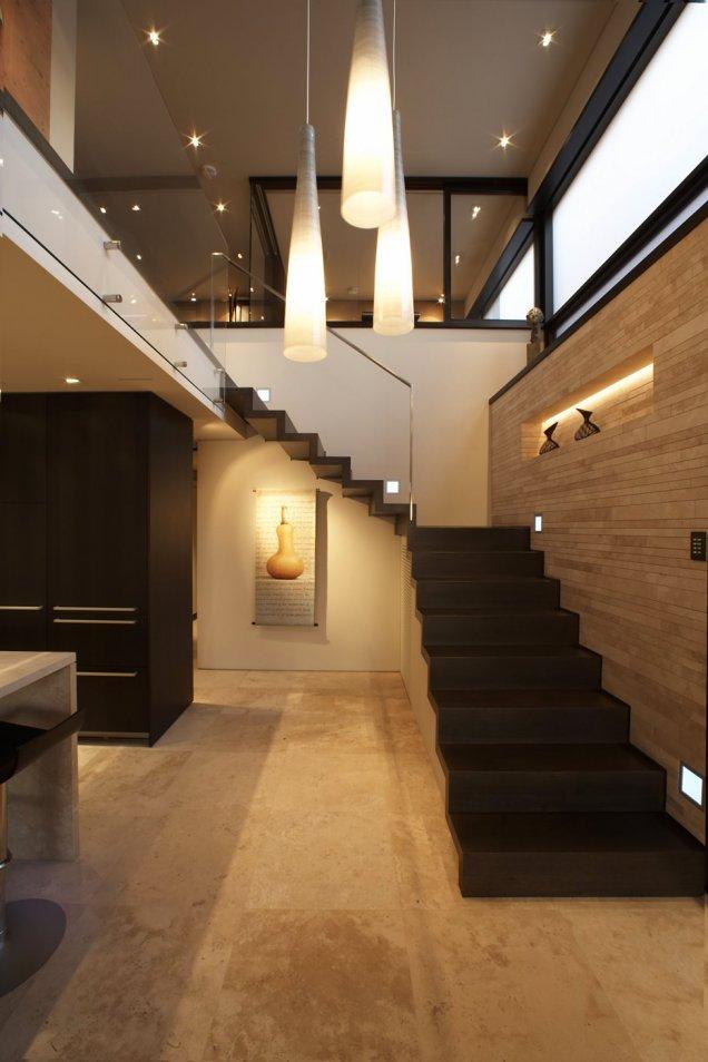 Луксозен апартамент в КАлифорния - интериорни стълби