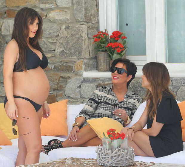 Ким Кардашиян бременна с приятелки