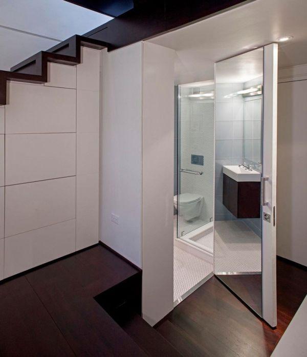 Малка мансарда в Манхатън - компактна баня