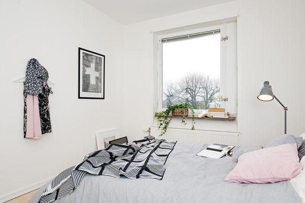 Апартамент 42 квадрата  - гледка от спалнята