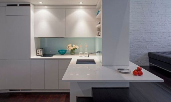 Малка мансарда в Манхатън - компактна кухня