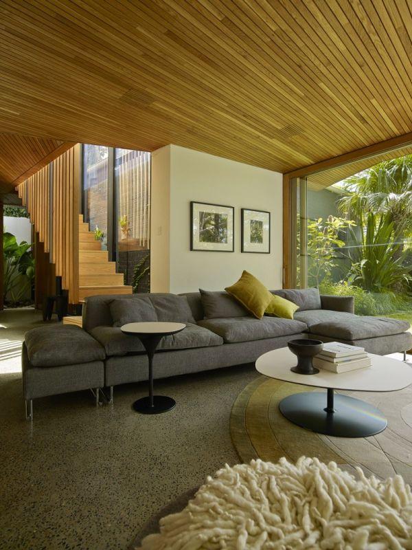 Къща в Австралия - удобен диван