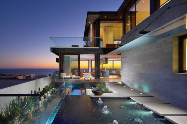 Резиденция Странд в Калифорния  - екстериор