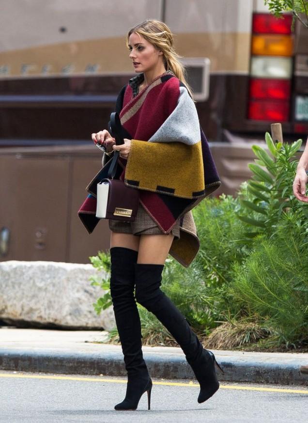 Велурени чизми на висок ток с пончо за есен 2015