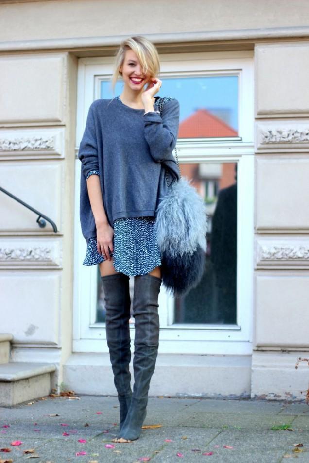 Велурени чизми с къса пола и широк пуловер за есен 2015