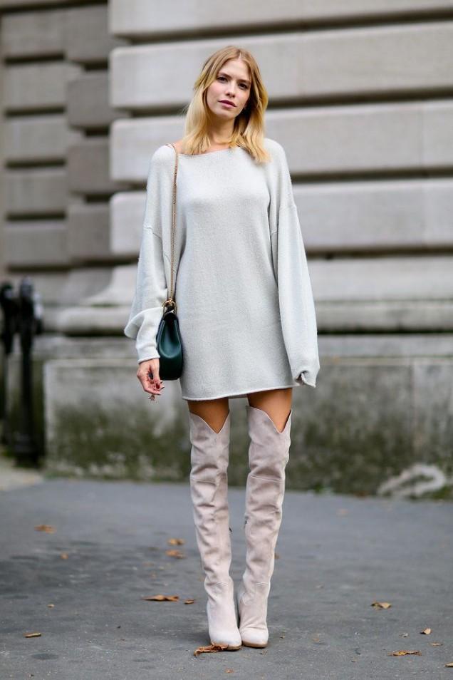 Велурени чизми комбинирани с широк пуловер тип туника