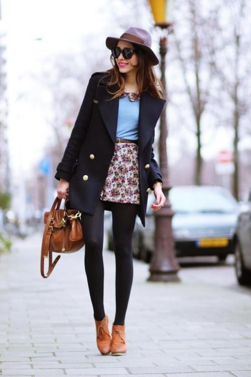Къса цветна пола с клин есен 2015