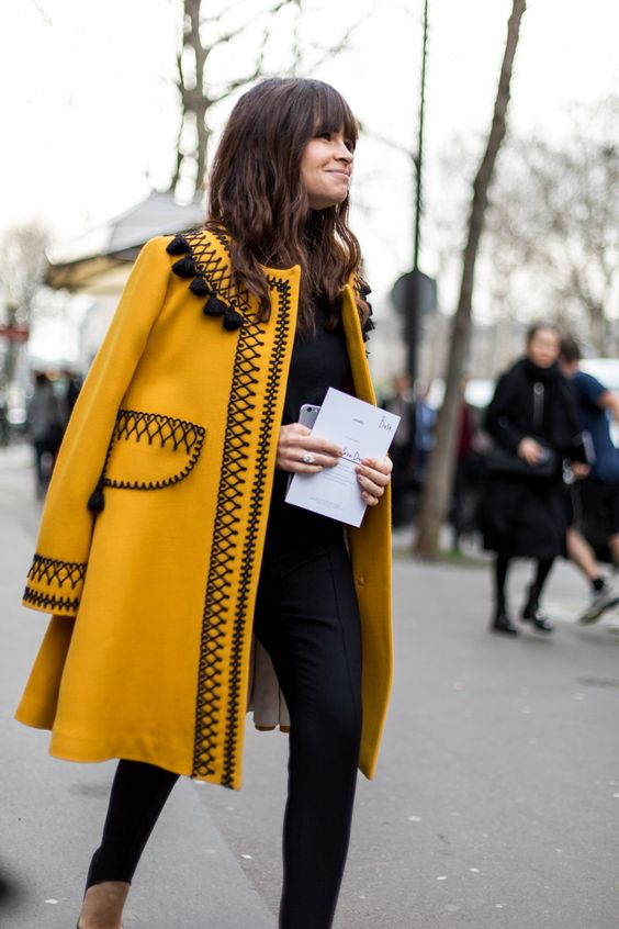 Уникално палто цвят охра зима 2016