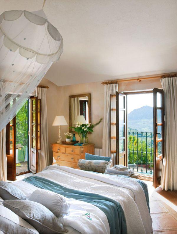 Испанска вила - спалня