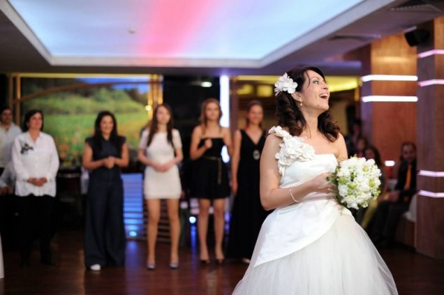 Сватбата на Меги от Търси се