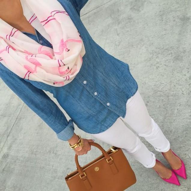 Красив розов шал, съчетан с дънкова риза 2016