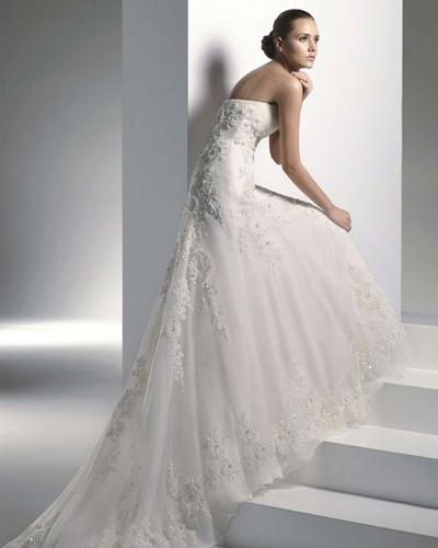 Уникално нежна сватбена рокля 2016