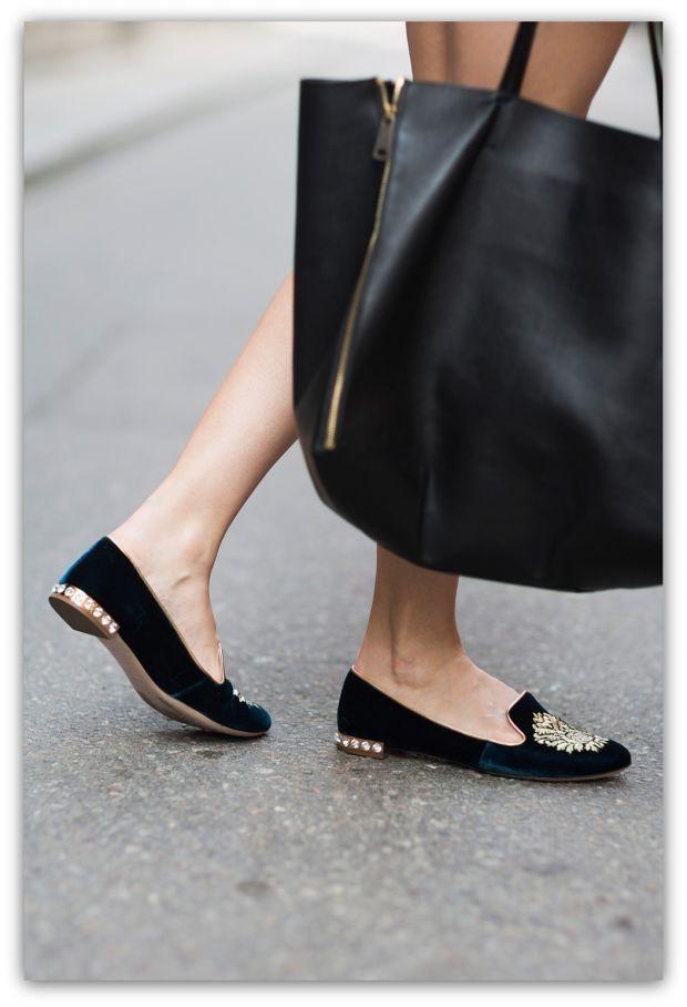Стилни черни ниски обувки със златно пролет 2016