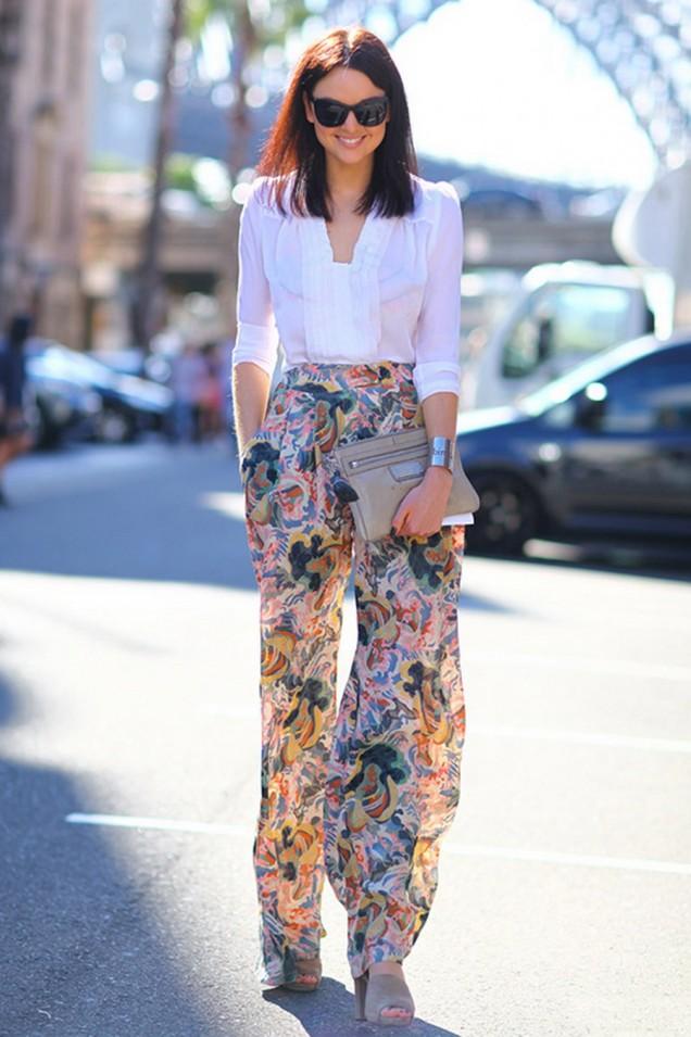 Нежен цветен панталон комбиниран с риза пролет 2016
