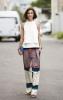 Стилен широк цветен панталон комбиниран с бял топ пролет 2016